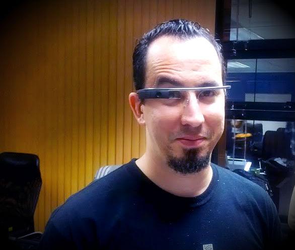 fr4gus usando unos Google Glass
