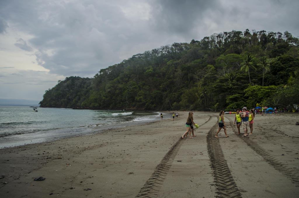 Playa Mantas a la derecha
