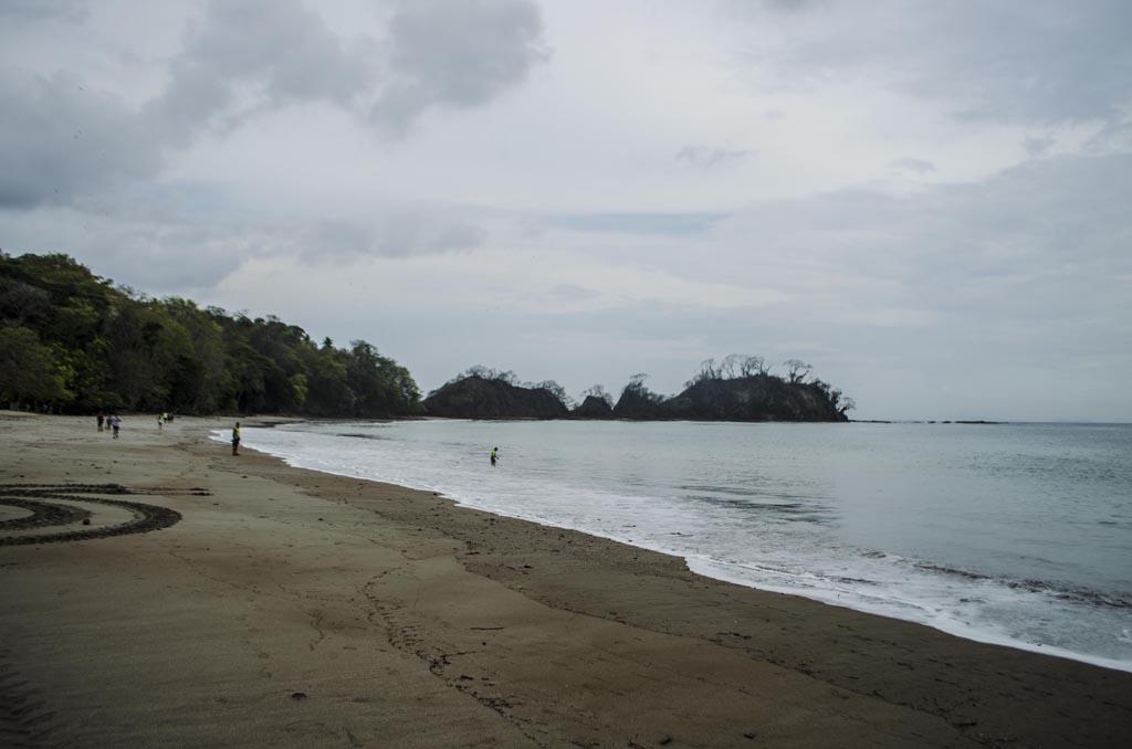 Playa Mantas a la Izquierda